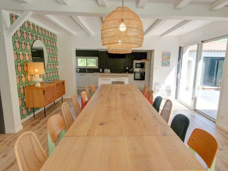 Grande table du gite Royer pour 15 personnes